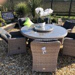 roun garden table set